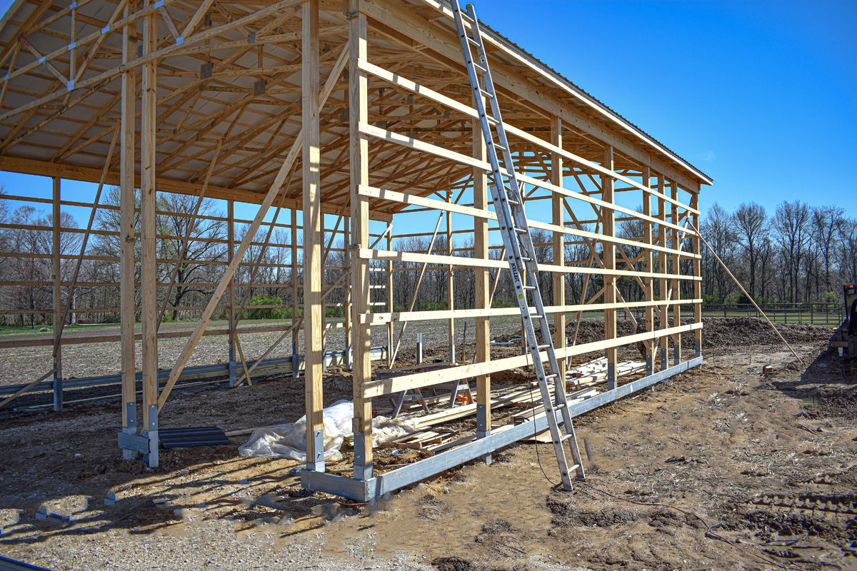 Amish barn builders working on new project